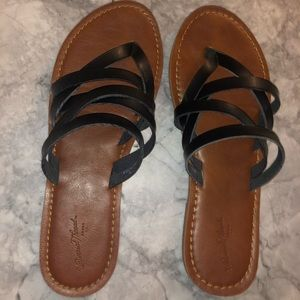 Universal Thread Shoes - Brown and black Sandals